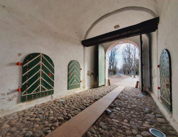 Parnu-Private-Tours-Tallinna-varav-vaade-seest