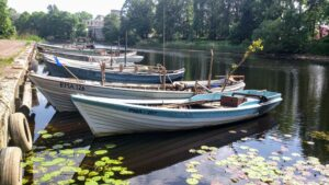 Vana Pärnu kalmistu ja kalurite paadid